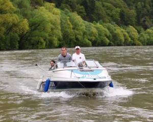 Motorboot für die Praxisprüfung